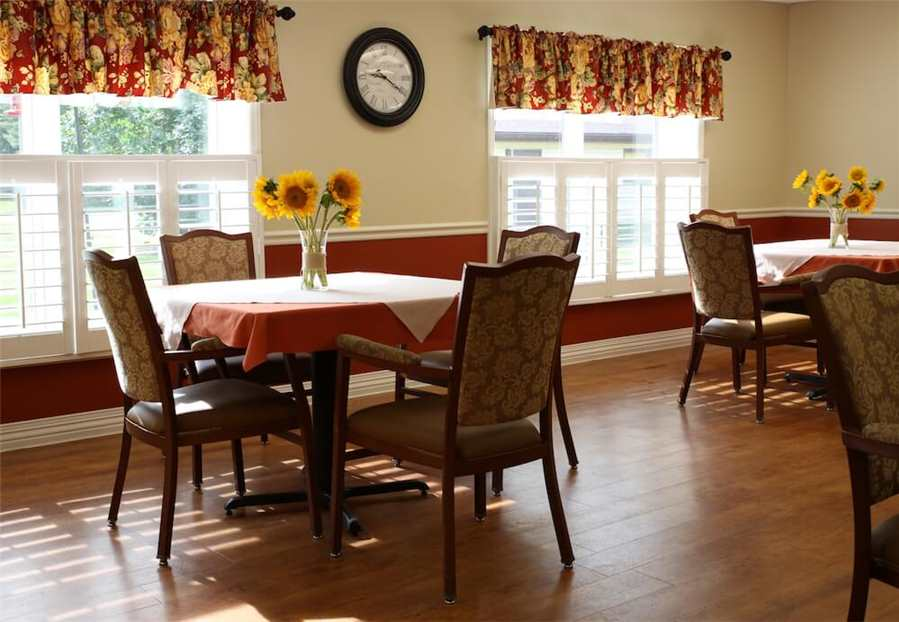 Crawfordsville-Dining-Room.JPG